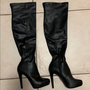 NWT Knee high JLO boots